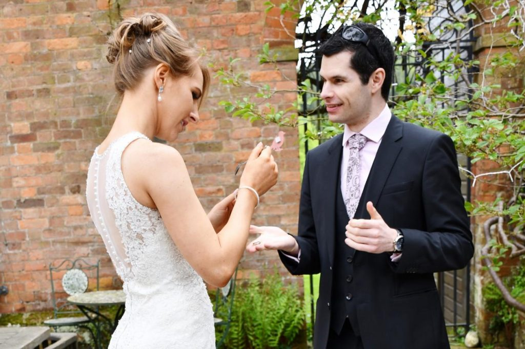 wedding close up magician shrewsbury